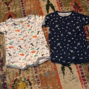 2 pairs of Carter's short sleeve snap rompers